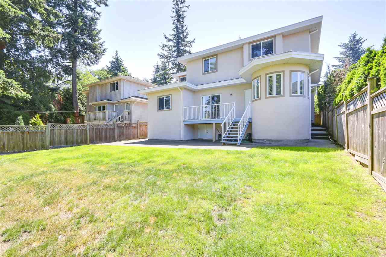 Detached at 15427 28 AVENUE, South Surrey White Rock, British Columbia. Image 20