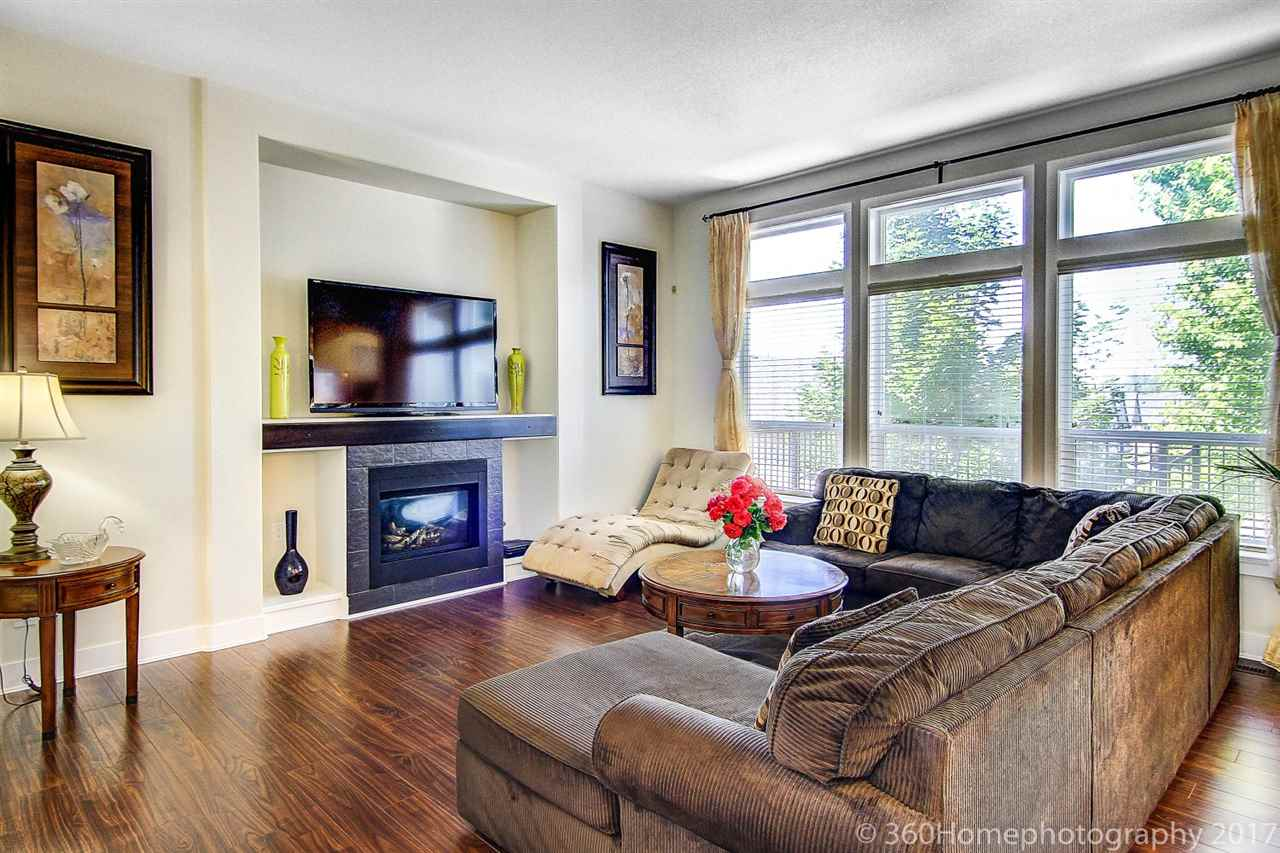 Detached at 1322 KINTAIL COURT, Coquitlam, British Columbia. Image 5