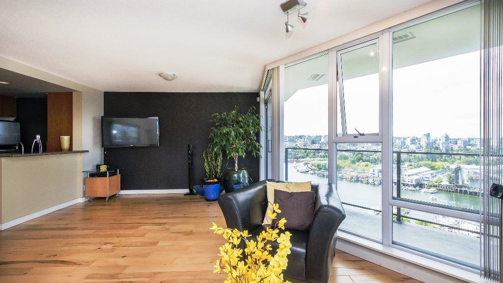 Condo Apartment at 2102 583 BEACH CRESCENT, Unit 2102, Vancouver West, British Columbia. Image 7
