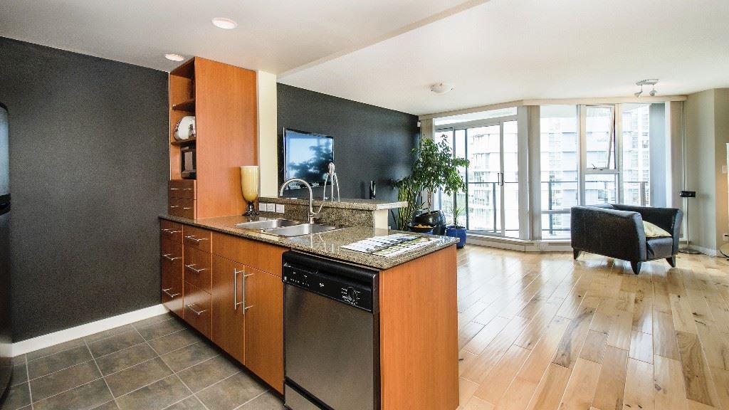 Condo Apartment at 2102 583 BEACH CRESCENT, Unit 2102, Vancouver West, British Columbia. Image 8