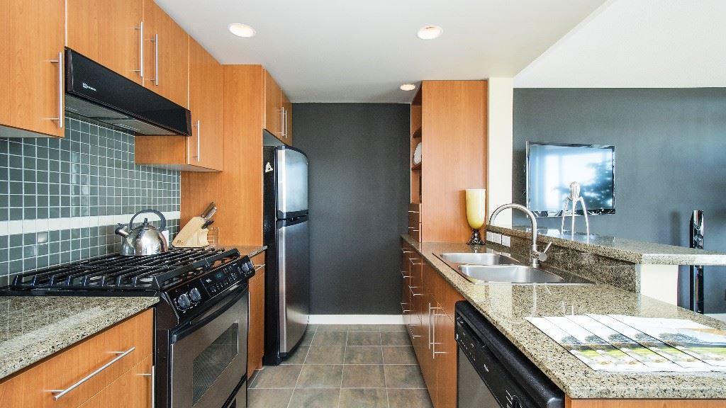 Condo Apartment at 2102 583 BEACH CRESCENT, Unit 2102, Vancouver West, British Columbia. Image 9