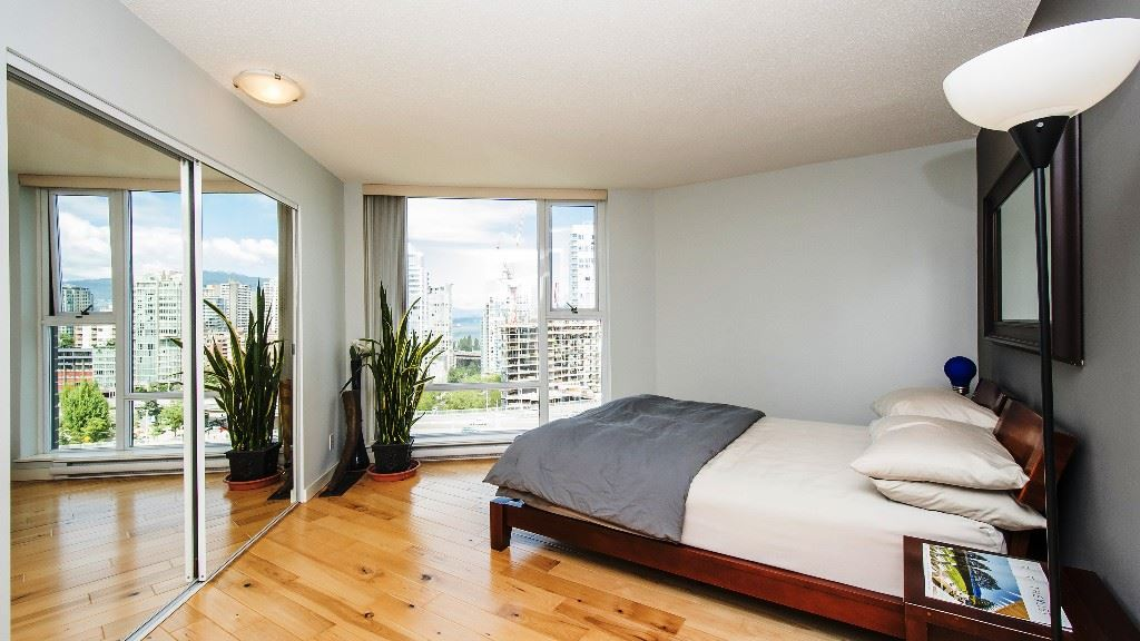 Condo Apartment at 2102 583 BEACH CRESCENT, Unit 2102, Vancouver West, British Columbia. Image 11