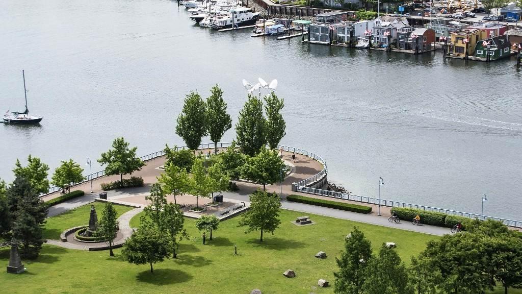 Condo Apartment at 2102 583 BEACH CRESCENT, Unit 2102, Vancouver West, British Columbia. Image 14