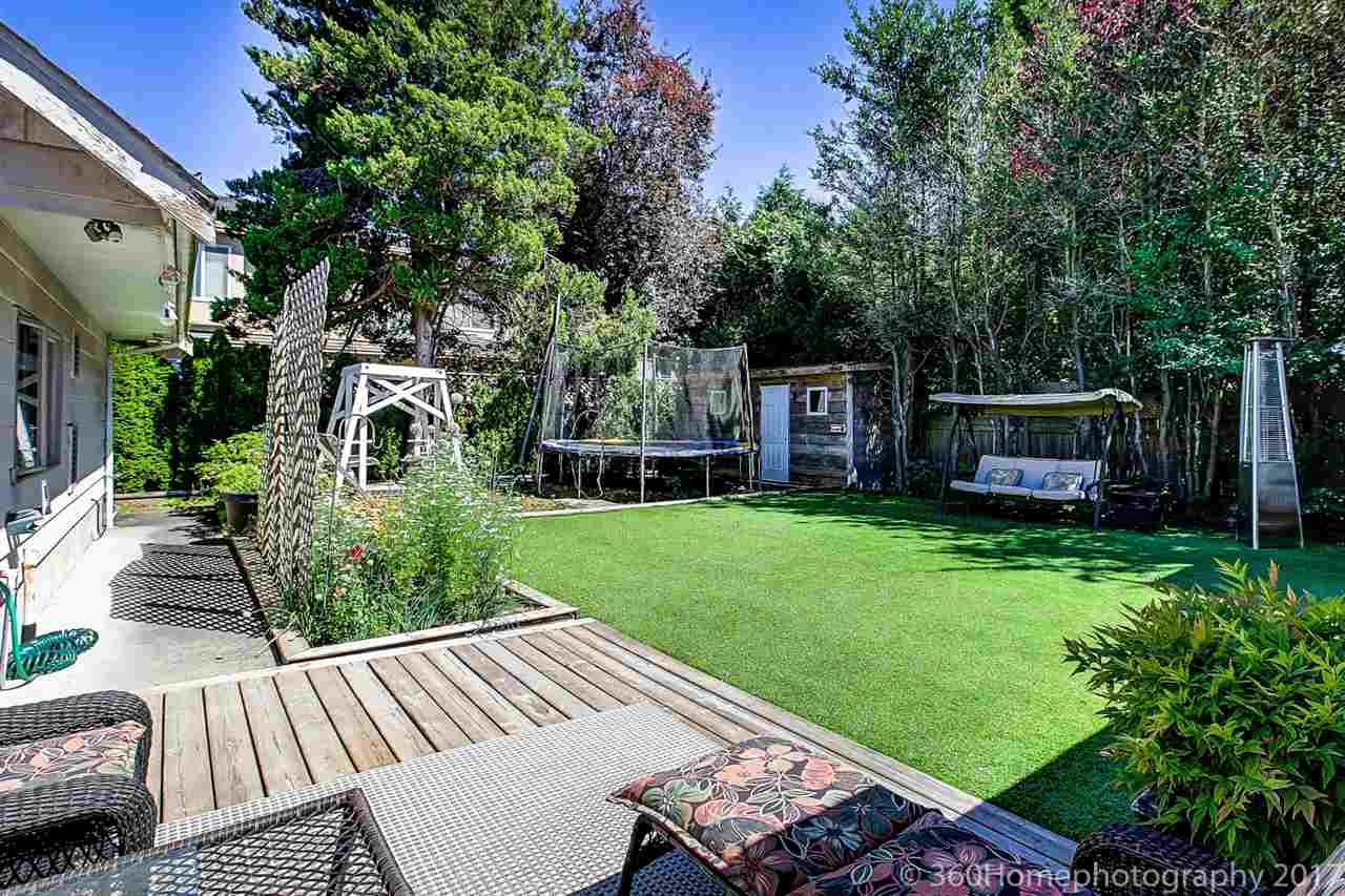 Detached at 10740 SOUTHDALE ROAD, Richmond, British Columbia. Image 4