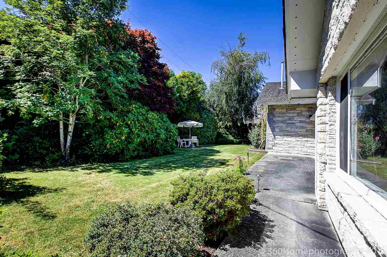 Detached at 10740 SOUTHDALE ROAD, Richmond, British Columbia. Image 5