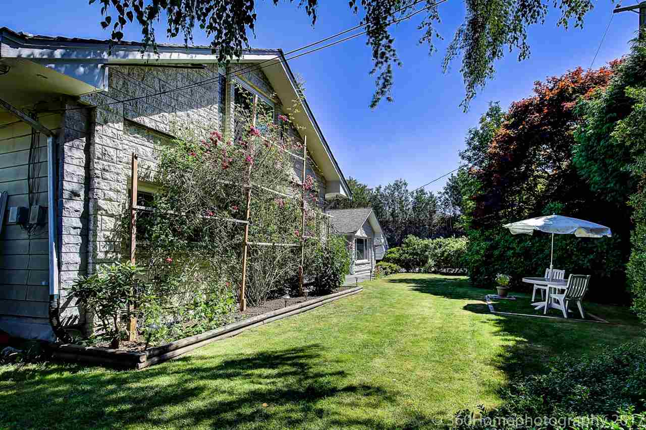 Detached at 10740 SOUTHDALE ROAD, Richmond, British Columbia. Image 6