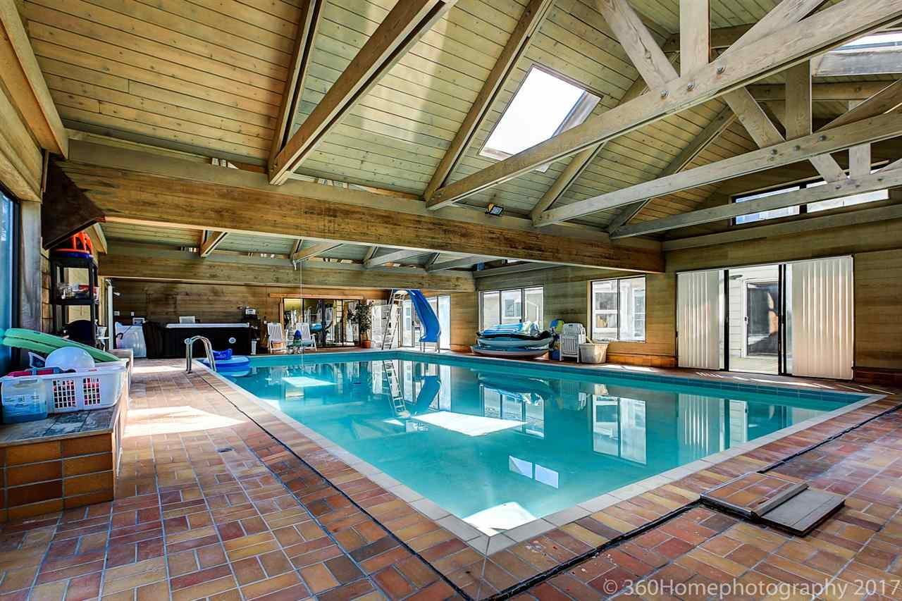 Detached at 10740 SOUTHDALE ROAD, Richmond, British Columbia. Image 8