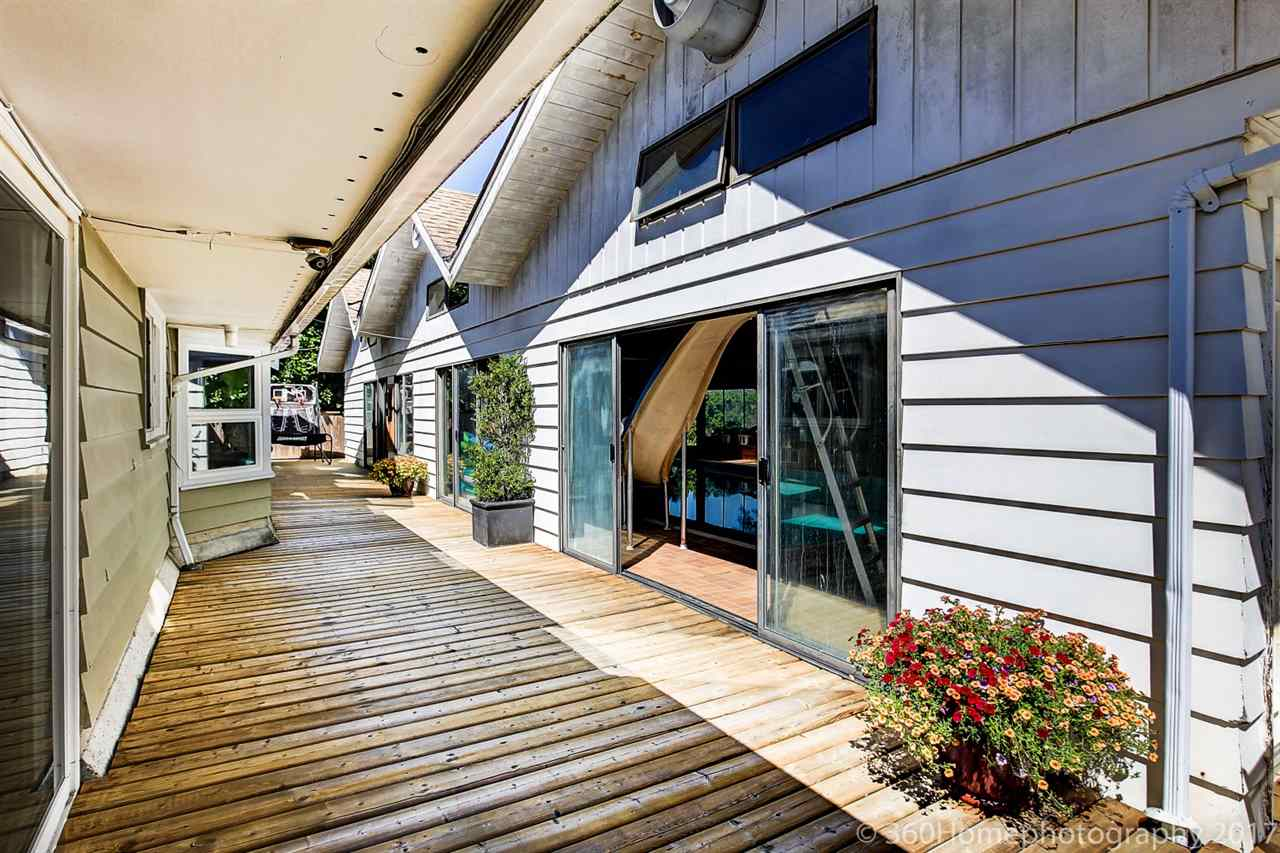 Detached at 10740 SOUTHDALE ROAD, Richmond, British Columbia. Image 11