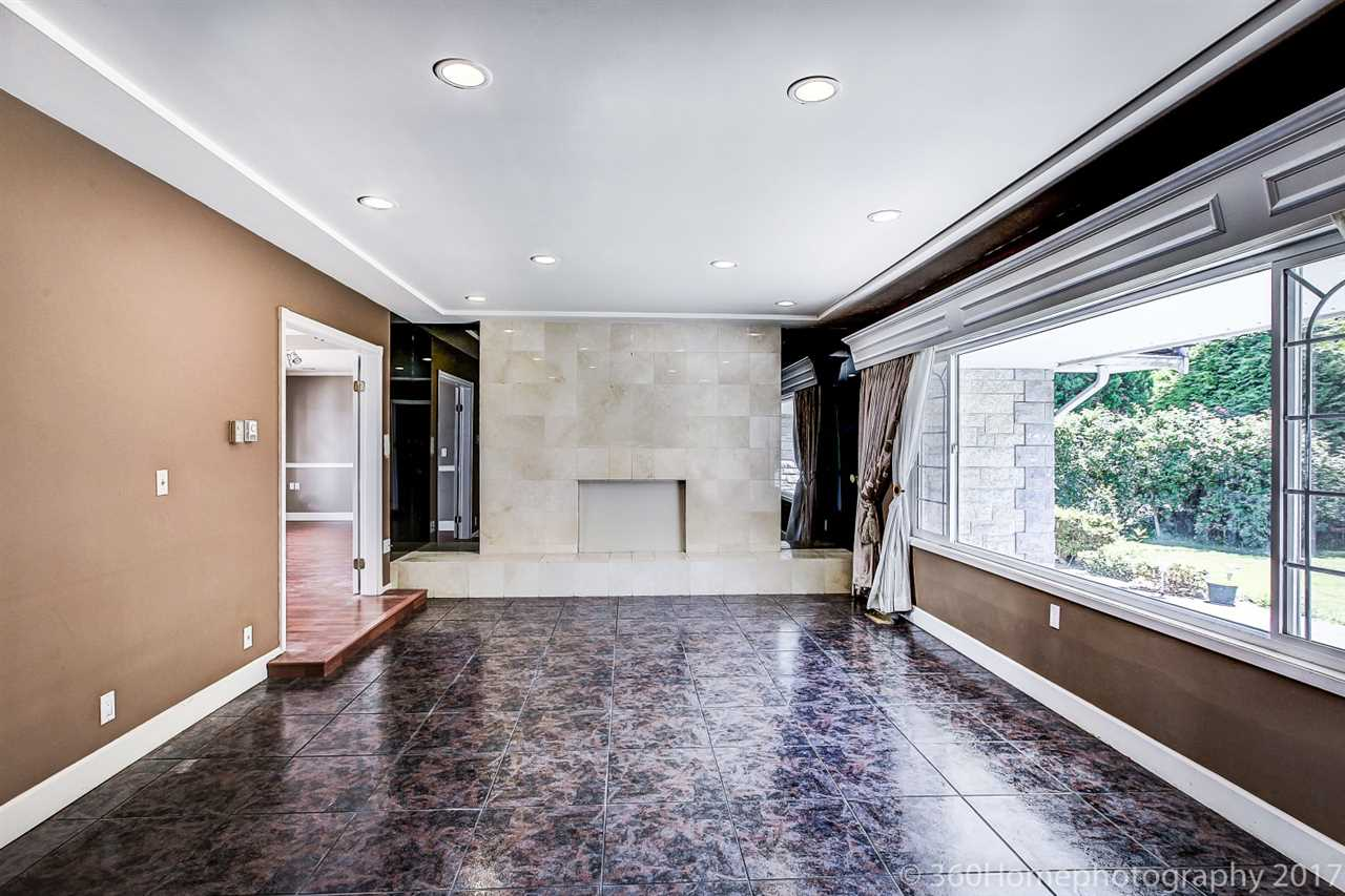 Detached at 10740 SOUTHDALE ROAD, Richmond, British Columbia. Image 13