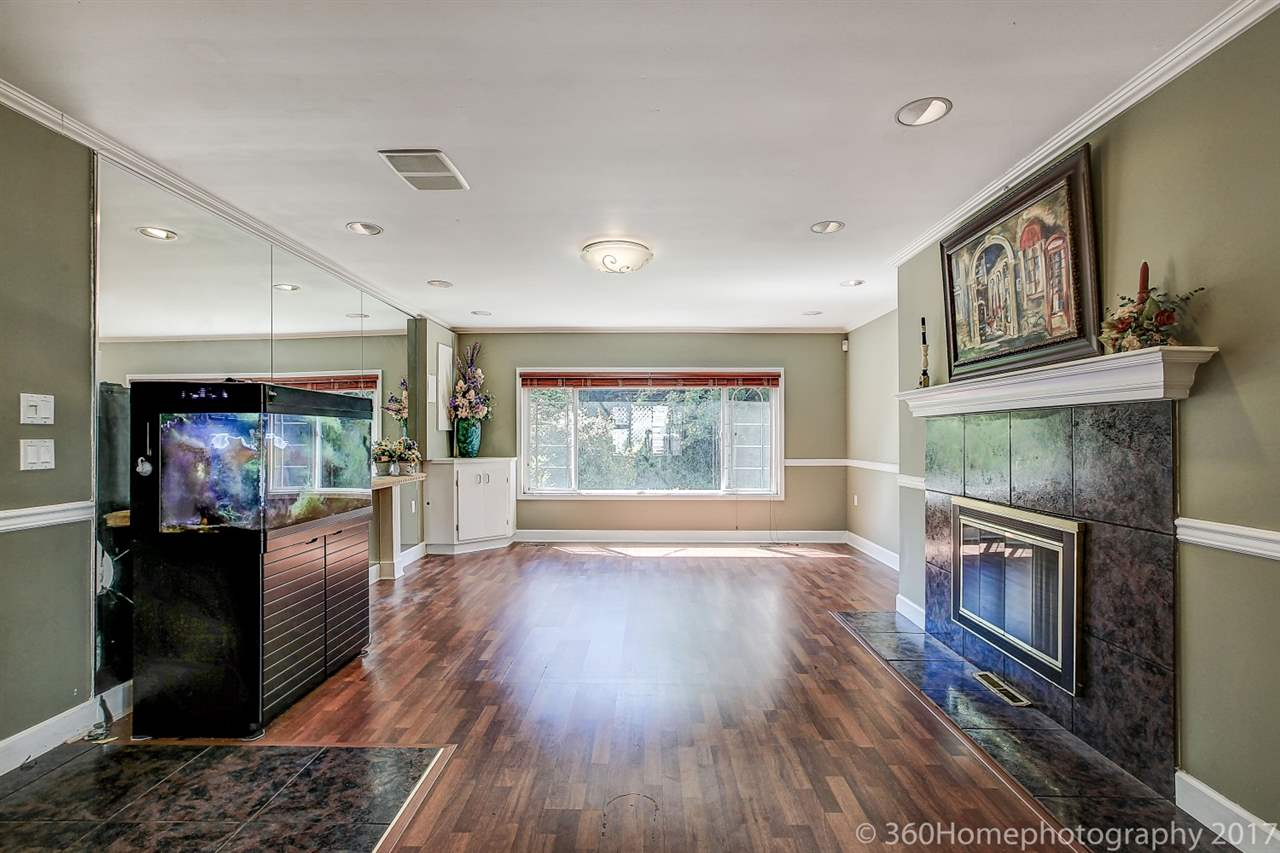 Detached at 10740 SOUTHDALE ROAD, Richmond, British Columbia. Image 16