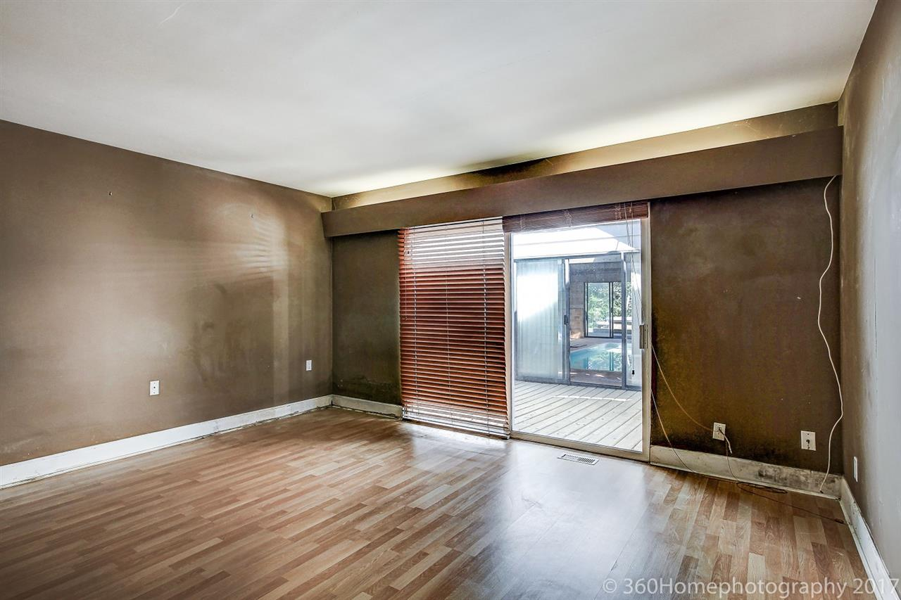 Detached at 10740 SOUTHDALE ROAD, Richmond, British Columbia. Image 17