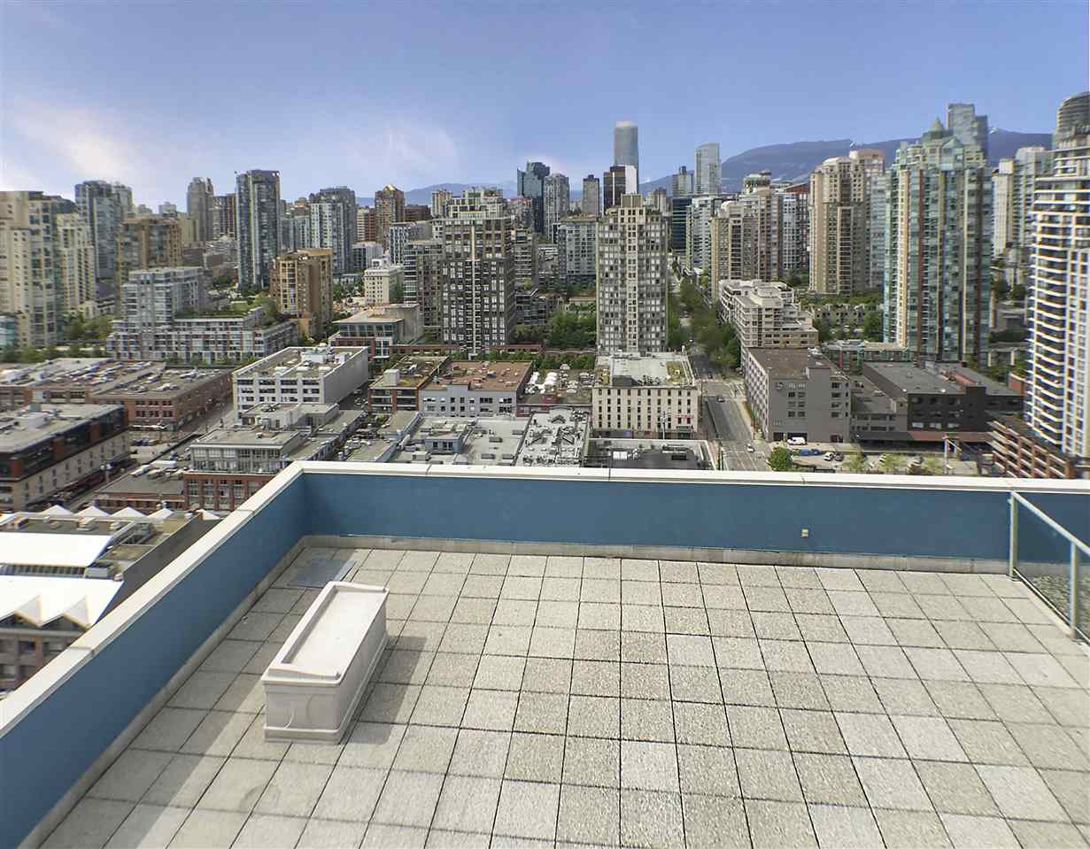 Condo Apartment at 3301 1008 CAMBIE STREET, Unit 3301, Vancouver West, British Columbia. Image 2