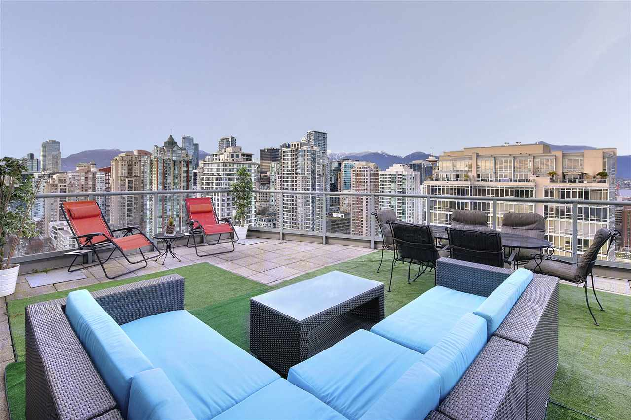 Condo Apartment at 3301 1008 CAMBIE STREET, Unit 3301, Vancouver West, British Columbia. Image 3