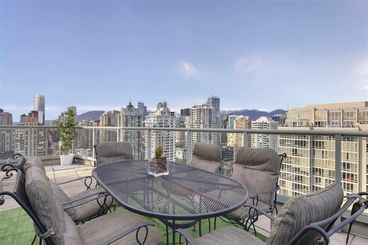 Condo Apartment at 3301 1008 CAMBIE STREET, Unit 3301, Vancouver West, British Columbia. Image 4