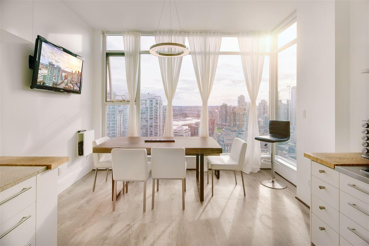 Condo Apartment at 3301 1008 CAMBIE STREET, Unit 3301, Vancouver West, British Columbia. Image 5