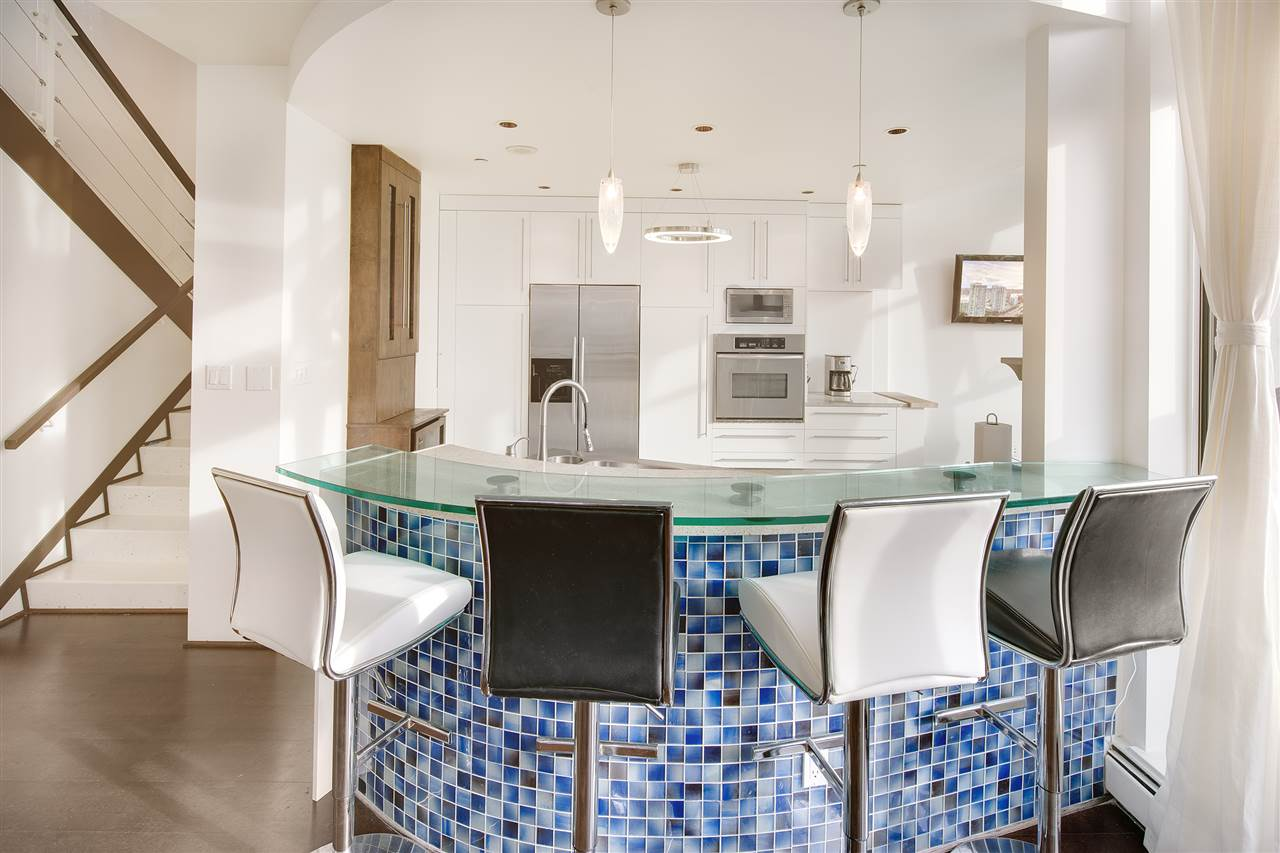 Condo Apartment at 3301 1008 CAMBIE STREET, Unit 3301, Vancouver West, British Columbia. Image 8