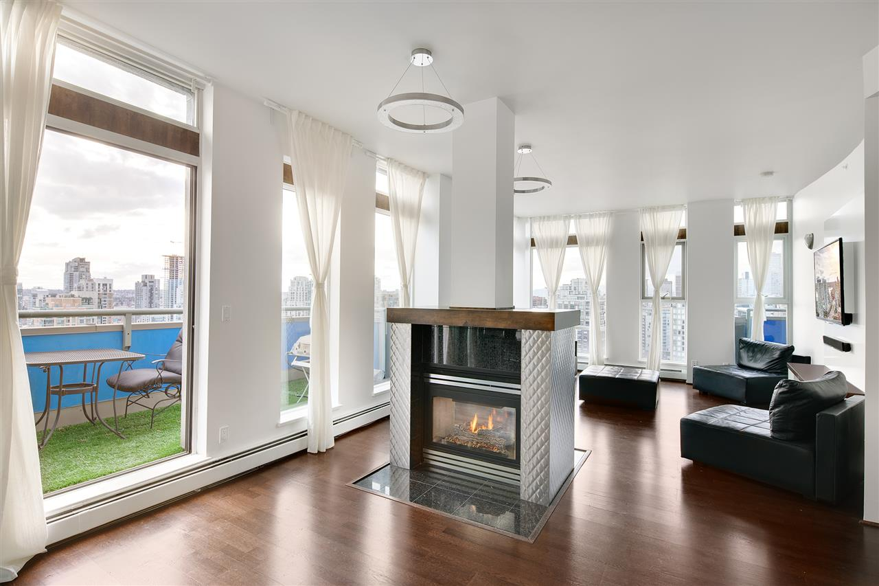Condo Apartment at 3301 1008 CAMBIE STREET, Unit 3301, Vancouver West, British Columbia. Image 10