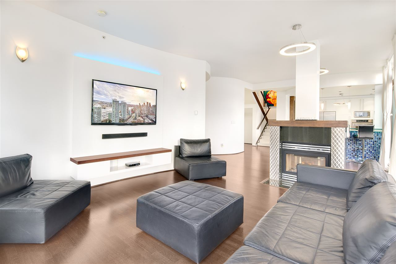 Condo Apartment at 3301 1008 CAMBIE STREET, Unit 3301, Vancouver West, British Columbia. Image 12