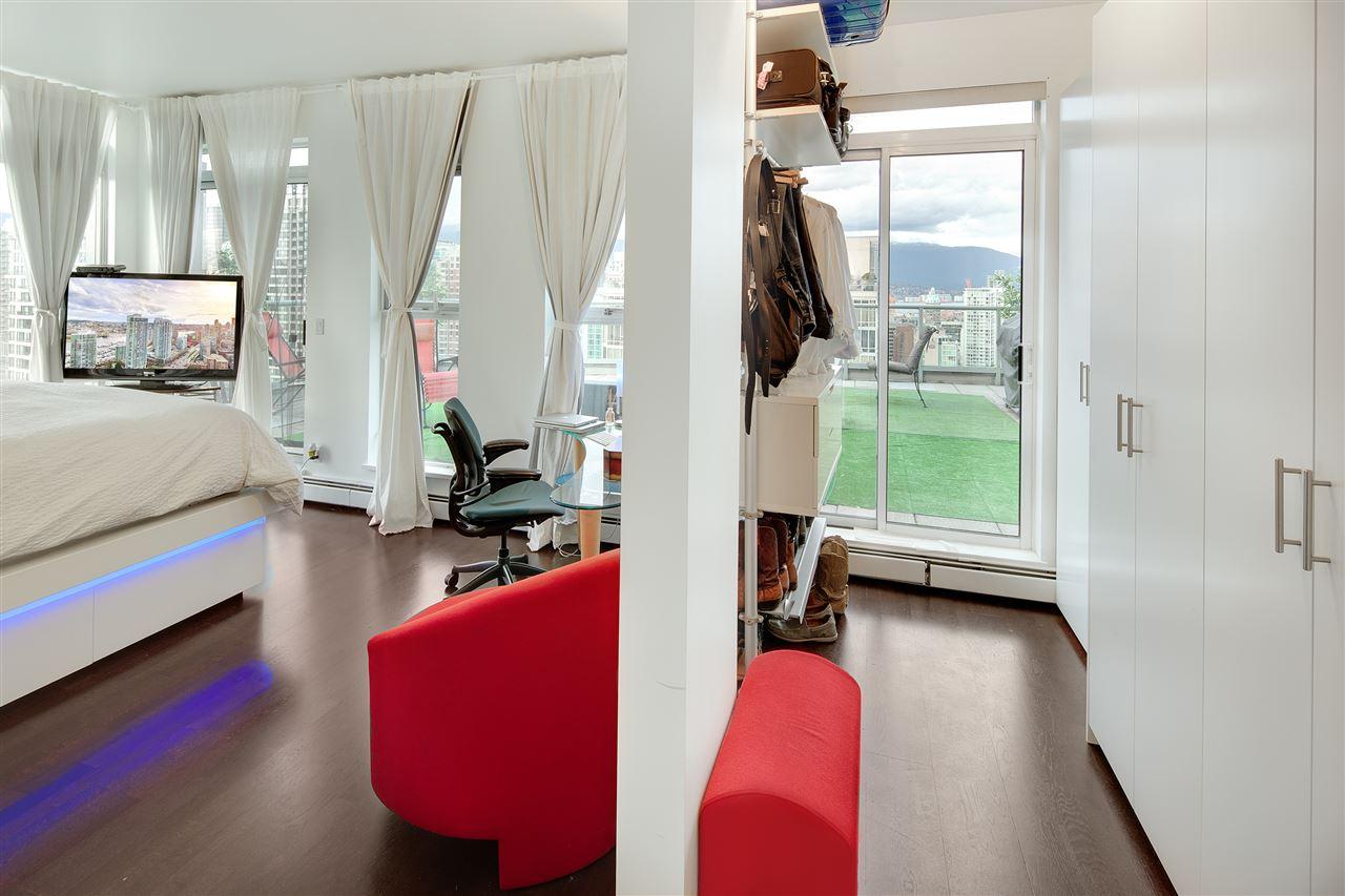Condo Apartment at 3301 1008 CAMBIE STREET, Unit 3301, Vancouver West, British Columbia. Image 15