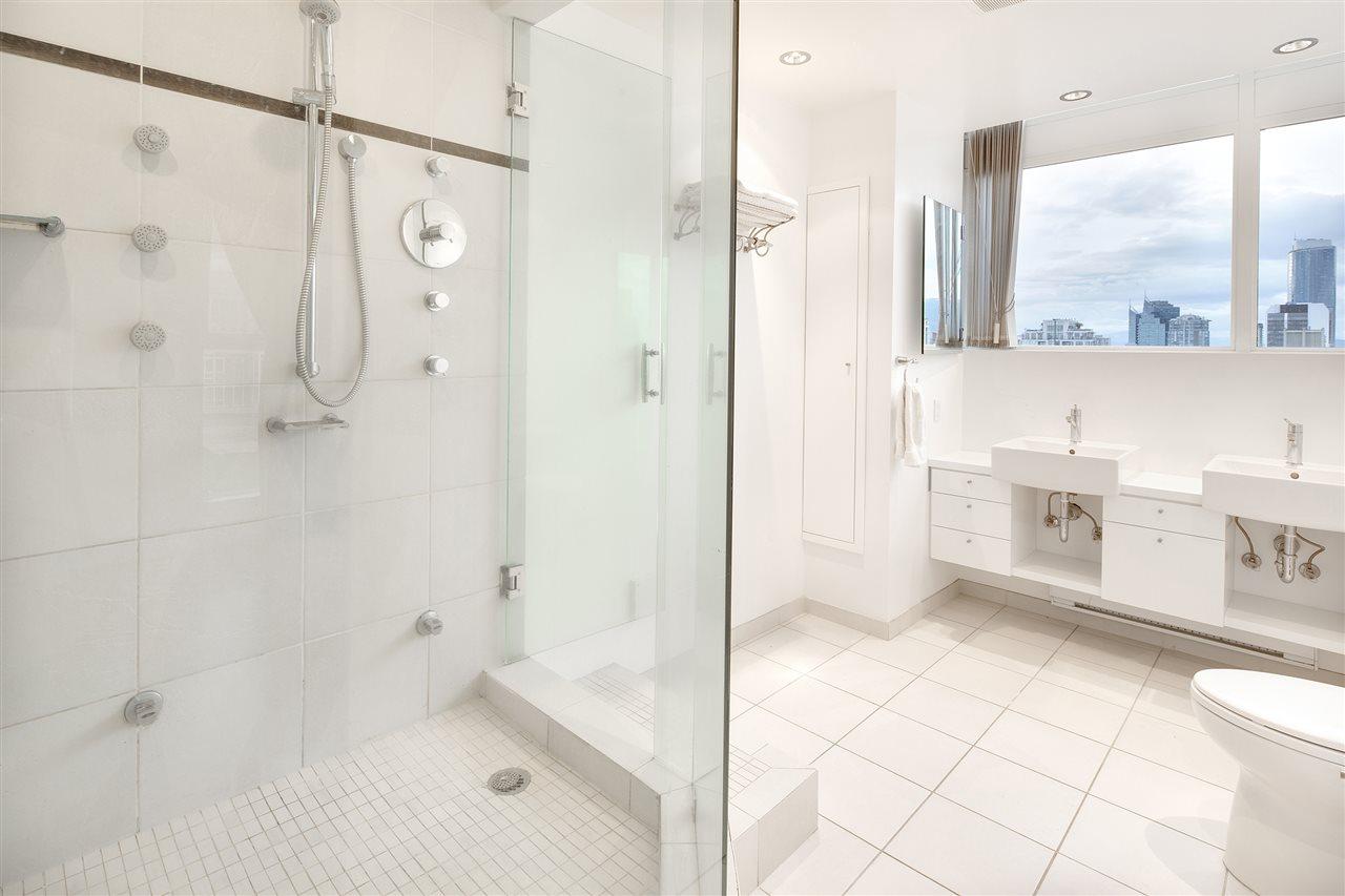 Condo Apartment at 3301 1008 CAMBIE STREET, Unit 3301, Vancouver West, British Columbia. Image 16