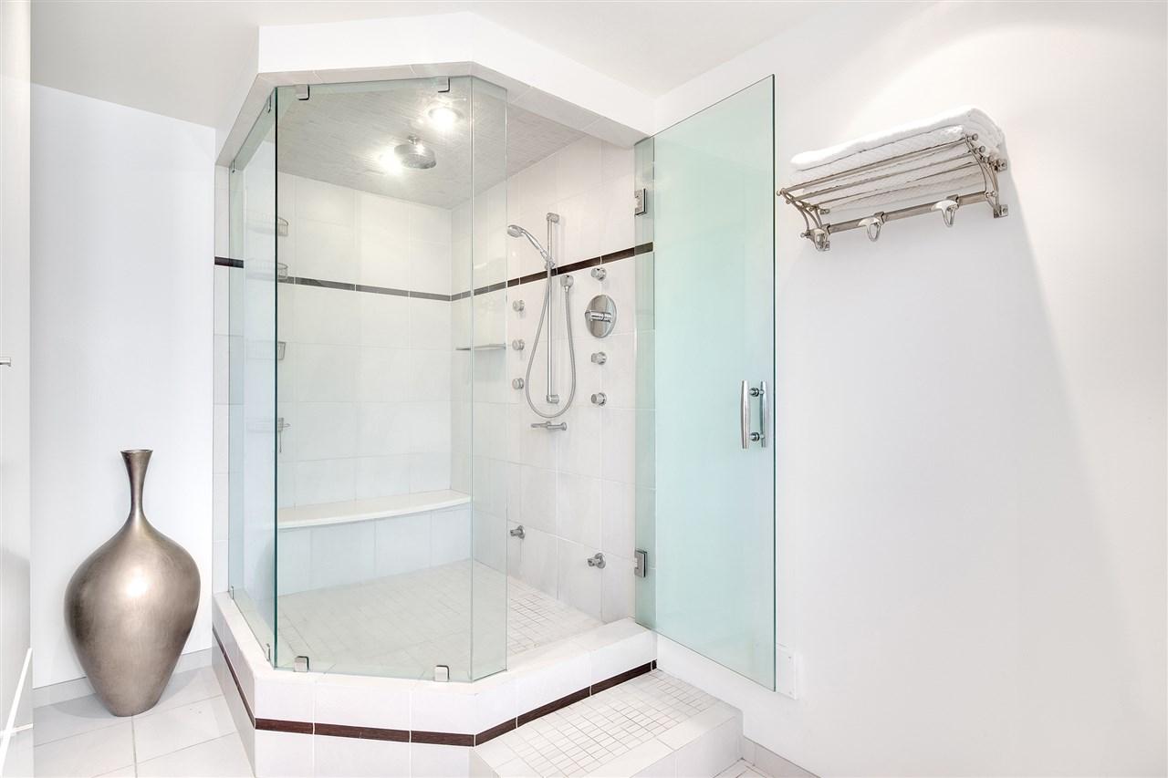 Condo Apartment at 3301 1008 CAMBIE STREET, Unit 3301, Vancouver West, British Columbia. Image 17