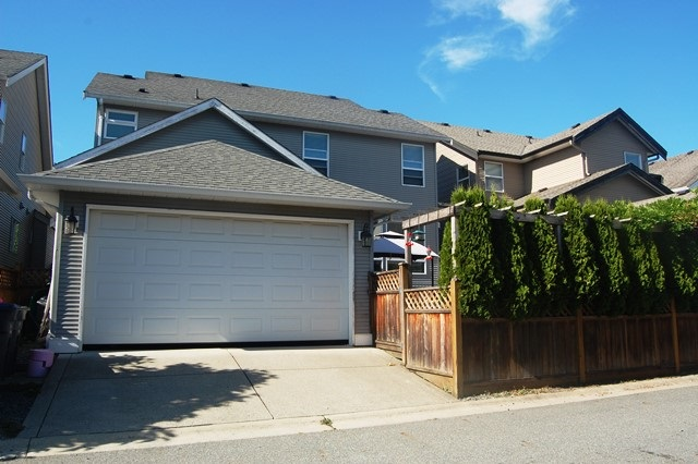 Detached at 19160 68A AVENUE, Cloverdale, British Columbia. Image 20