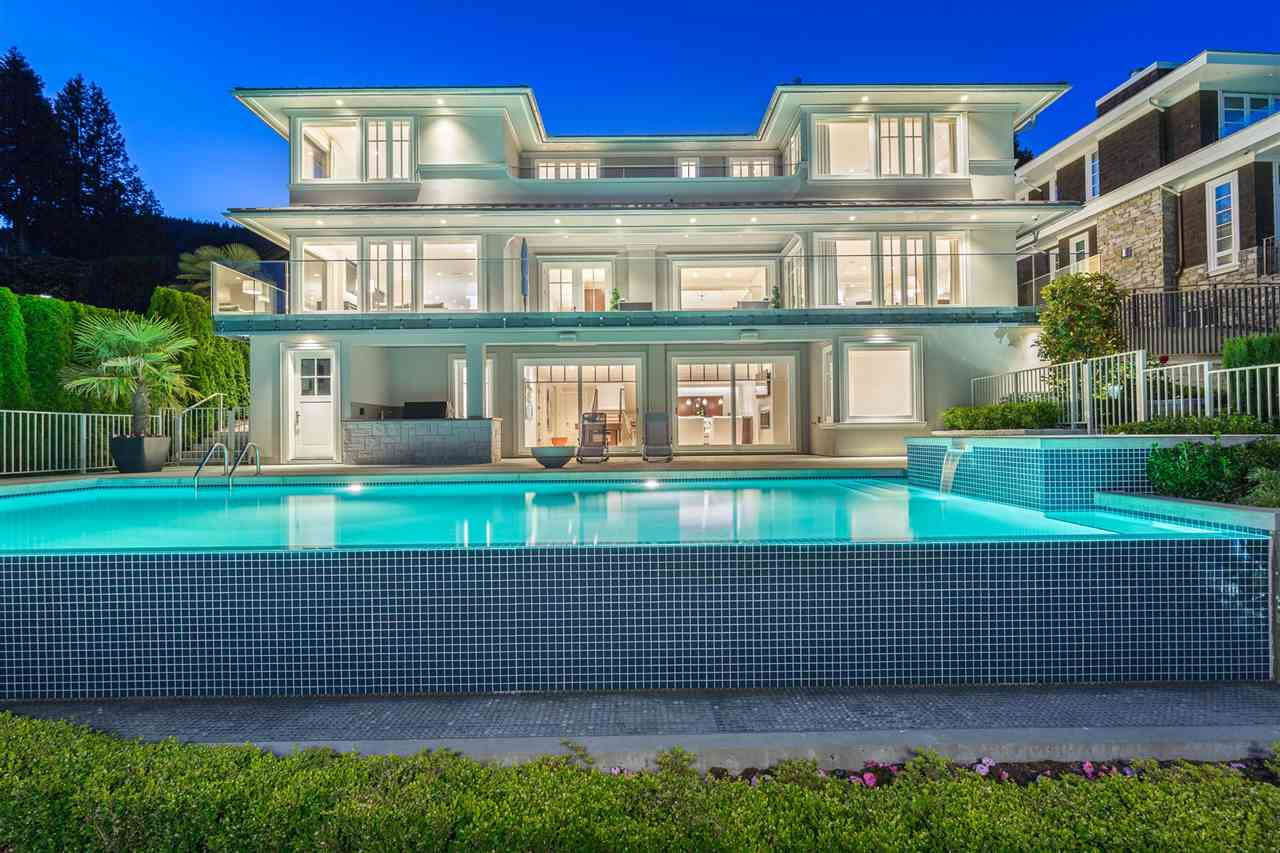 Detached at 3333 MATHERS AVENUE, West Vancouver, British Columbia. Image 1