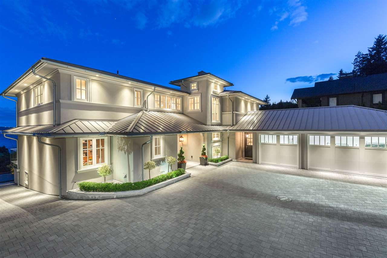 Detached at 3333 MATHERS AVENUE, West Vancouver, British Columbia. Image 2