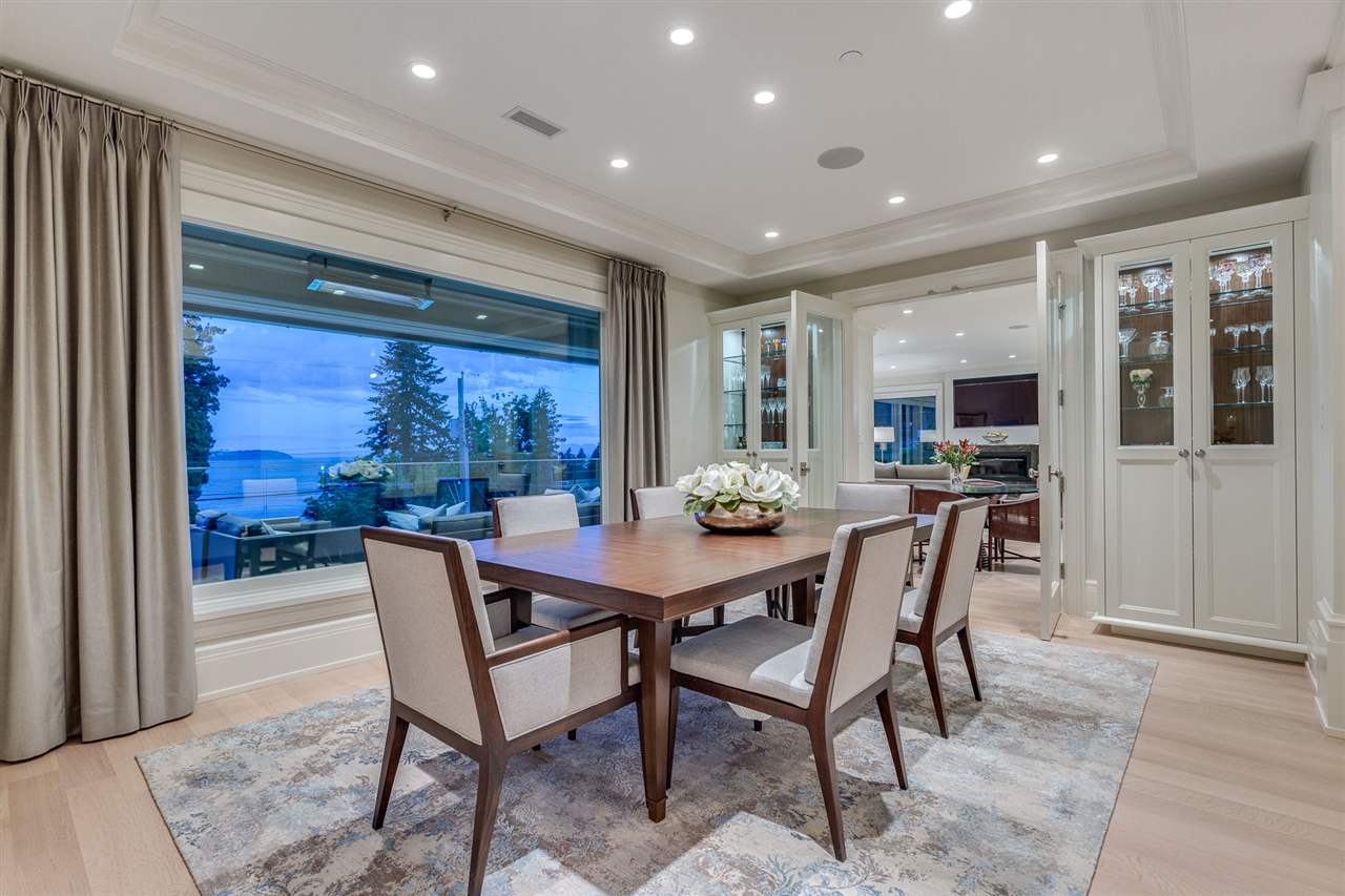 Detached at 3333 MATHERS AVENUE, West Vancouver, British Columbia. Image 5