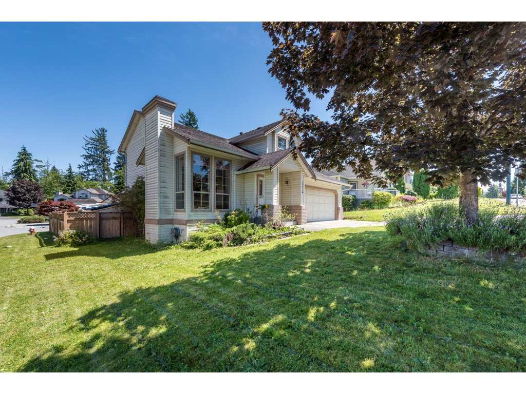Detached at 12478 230 STREET, Maple Ridge, British Columbia. Image 2