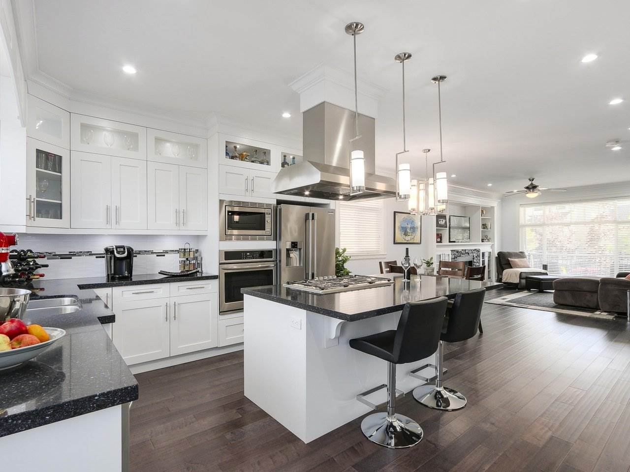 Detached at 17443 2A AVENUE, South Surrey White Rock, British Columbia. Image 7