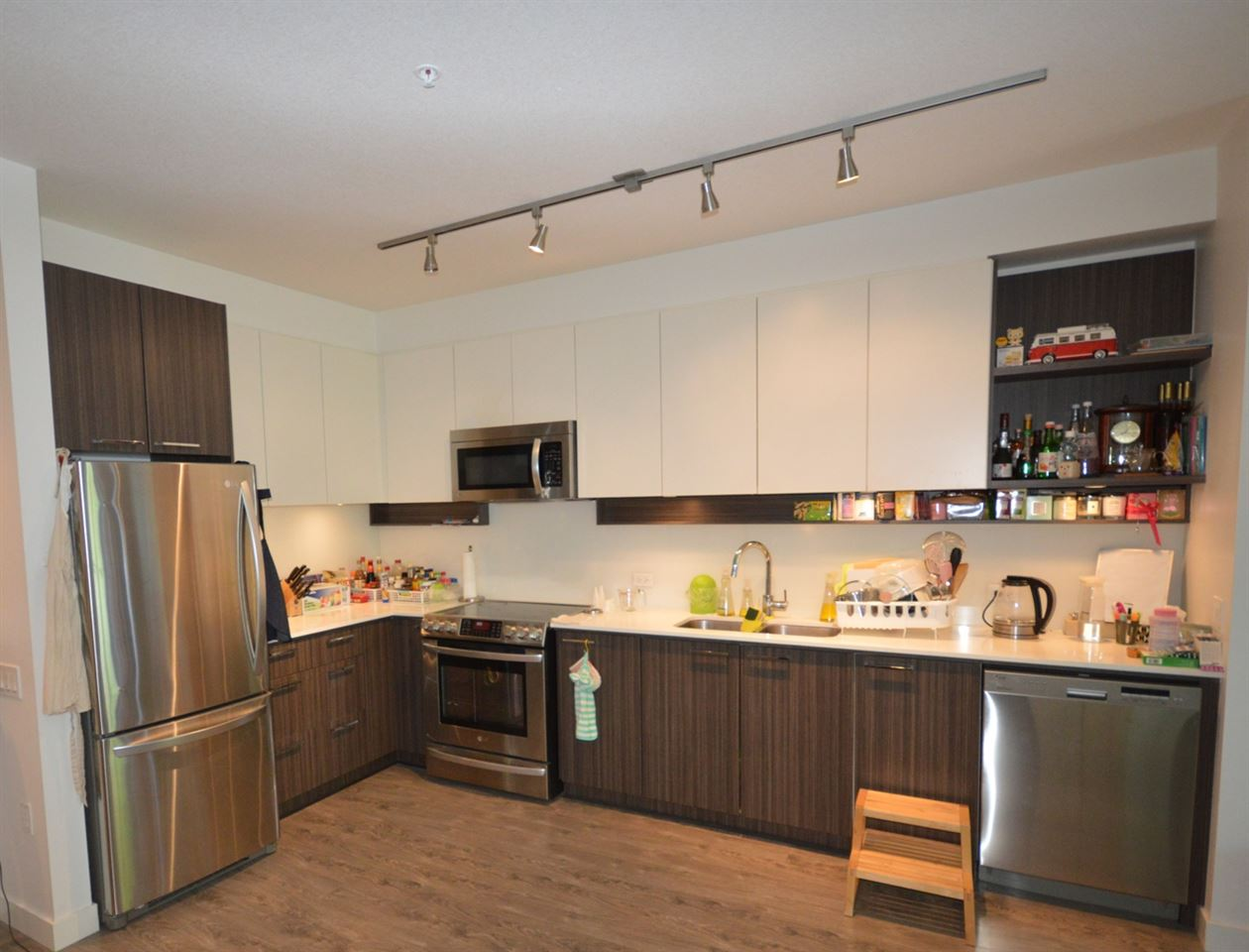 Condo Apartment at 203 9250 UNIVERSITY HIGH STREET, Unit 203, Burnaby North, British Columbia. Image 2