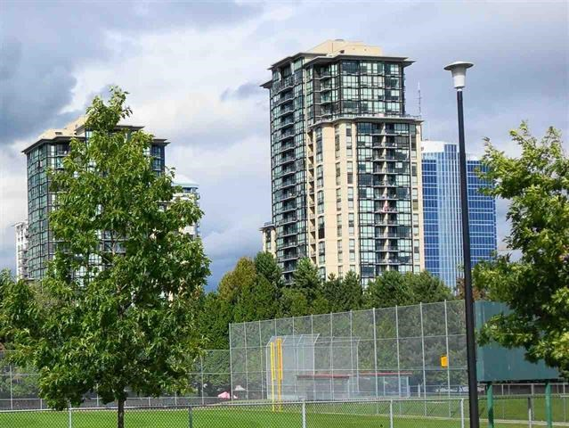 Condo Apartment at 1810 10777 UNIVERSITY DRIVE, Unit 1810, North Surrey, British Columbia. Image 1