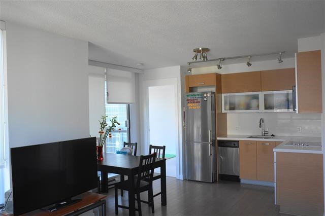 Condo Apartment at 1810 10777 UNIVERSITY DRIVE, Unit 1810, North Surrey, British Columbia. Image 10