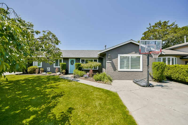 Detached at 4583 55A STREET, Ladner, British Columbia. Image 1