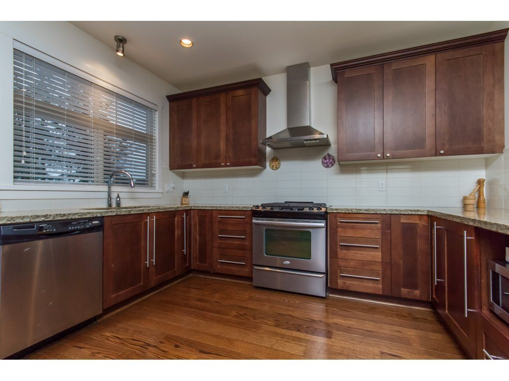 Townhouse at 32 15885 26 AVENUE, Unit 32, South Surrey White Rock, British Columbia. Image 3