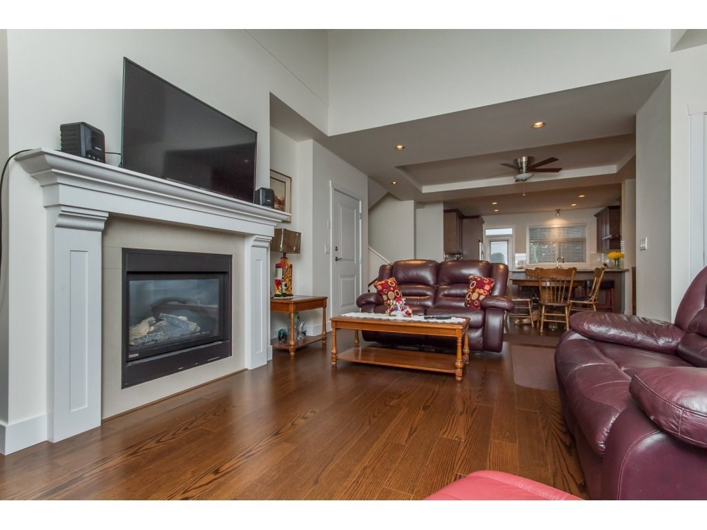 Townhouse at 32 15885 26 AVENUE, Unit 32, South Surrey White Rock, British Columbia. Image 8