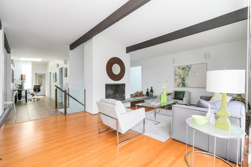 Detached at 4138 BURKEHILL ROAD, West Vancouver, British Columbia. Image 2