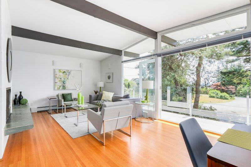 Detached at 4138 BURKEHILL ROAD, West Vancouver, British Columbia. Image 4