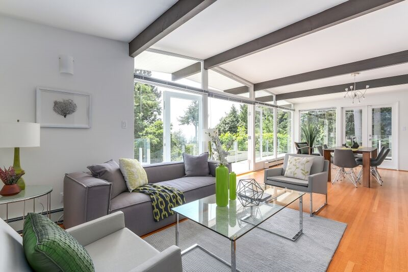 Detached at 4138 BURKEHILL ROAD, West Vancouver, British Columbia. Image 5