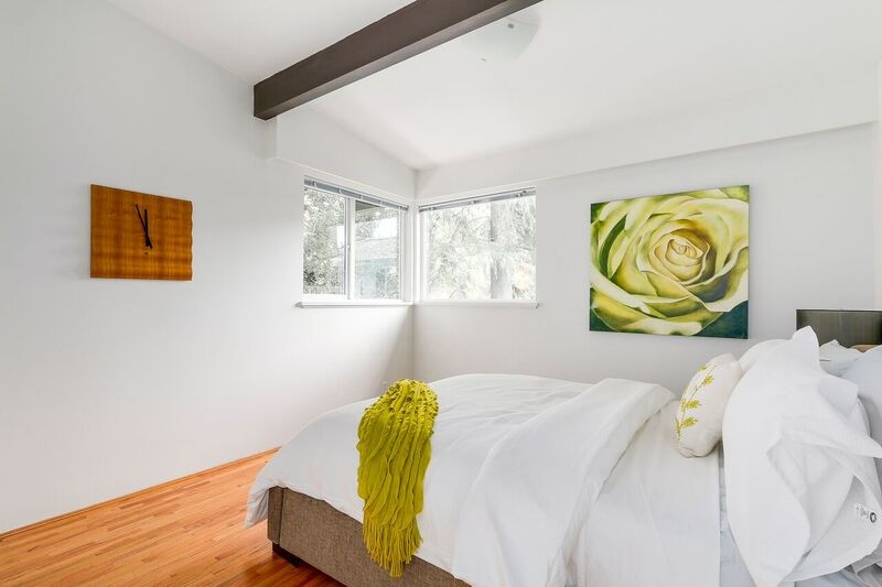 Detached at 4138 BURKEHILL ROAD, West Vancouver, British Columbia. Image 13