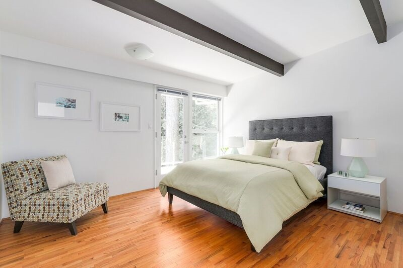 Detached at 4138 BURKEHILL ROAD, West Vancouver, British Columbia. Image 14