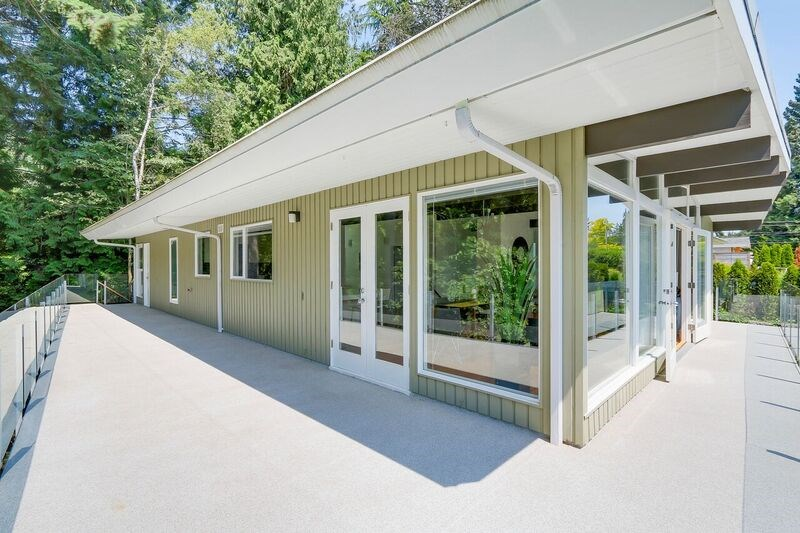 Detached at 4138 BURKEHILL ROAD, West Vancouver, British Columbia. Image 19