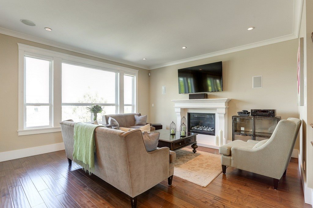Detached at 6349 BRYANT STREET, Burnaby South, British Columbia. Image 4