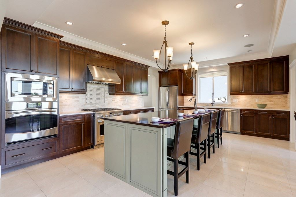 Detached at 6349 BRYANT STREET, Burnaby South, British Columbia. Image 5