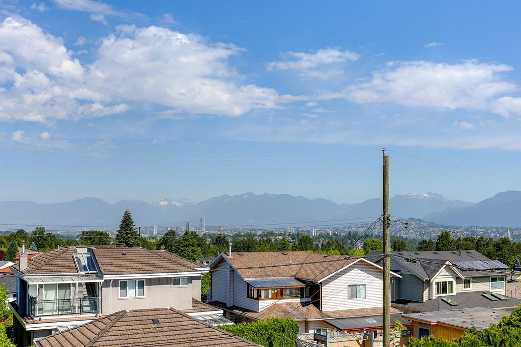 Detached at 6349 BRYANT STREET, Burnaby South, British Columbia. Image 10