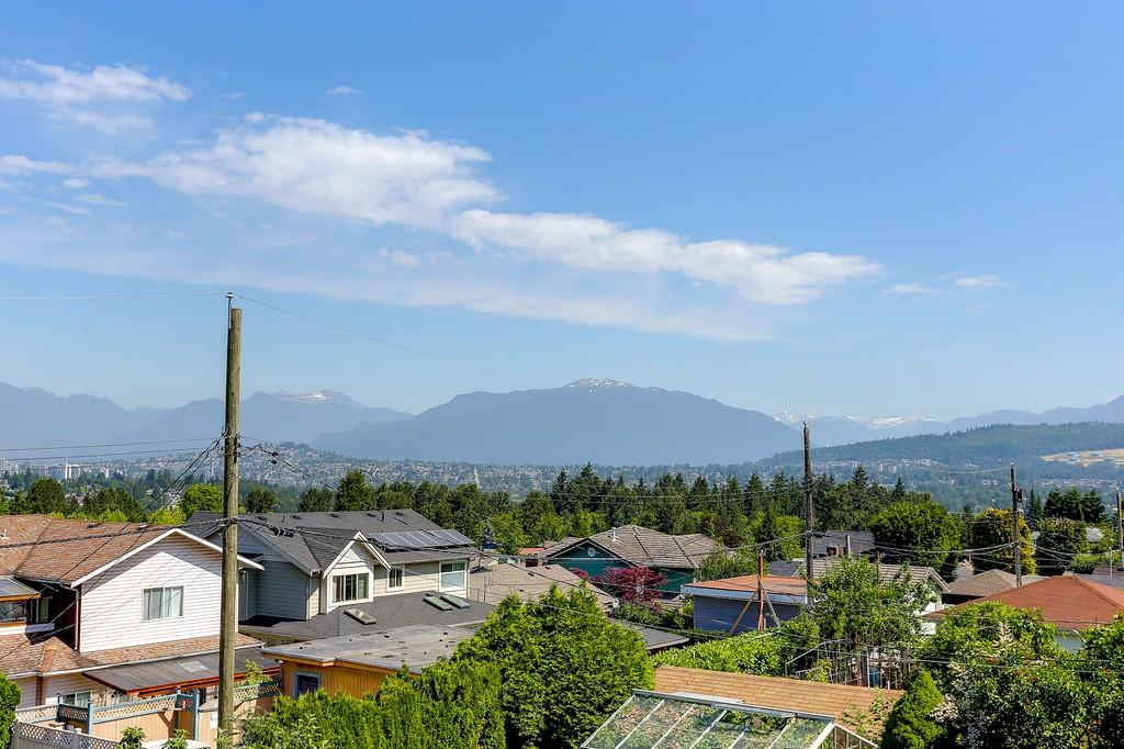 Detached at 6349 BRYANT STREET, Burnaby South, British Columbia. Image 11