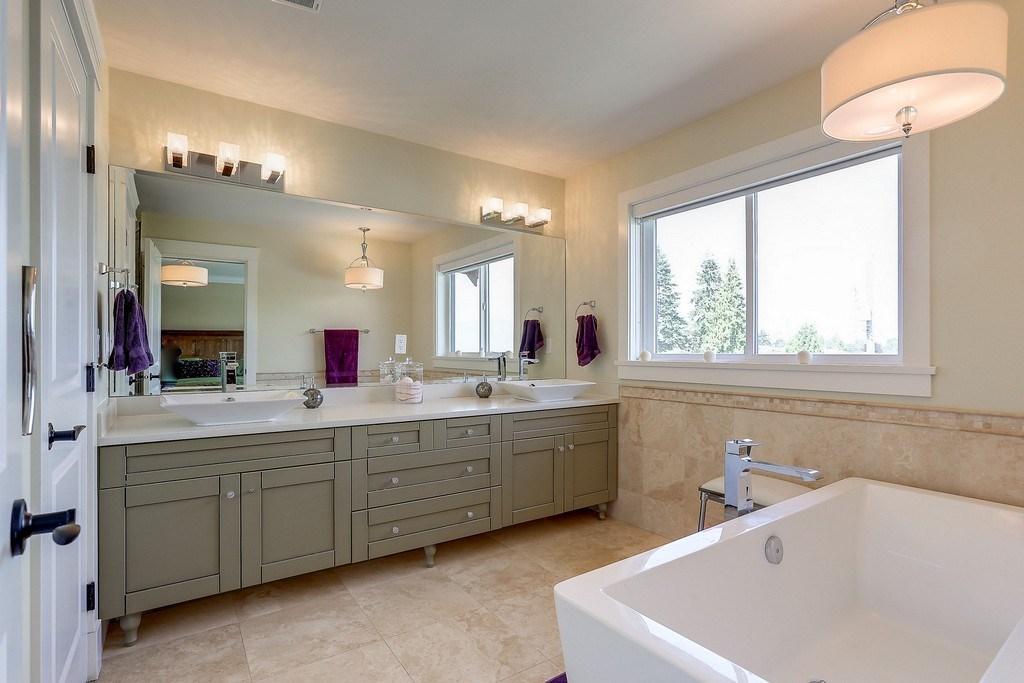 Detached at 6349 BRYANT STREET, Burnaby South, British Columbia. Image 12