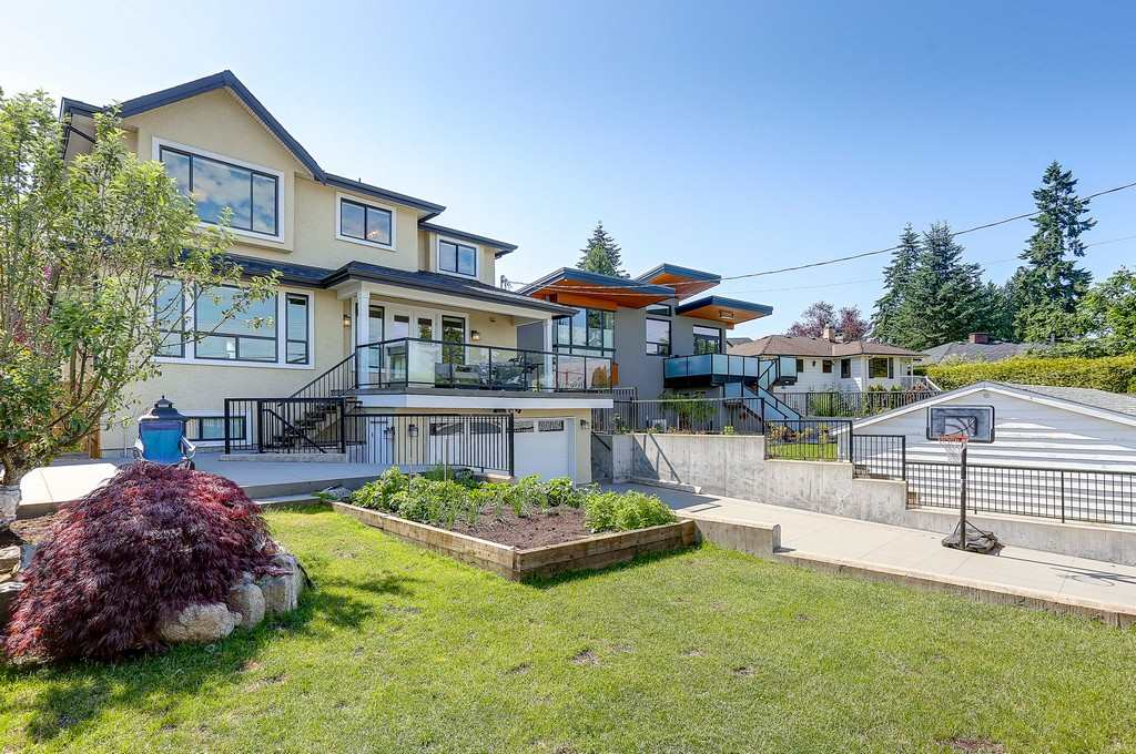 Detached at 6349 BRYANT STREET, Burnaby South, British Columbia. Image 19