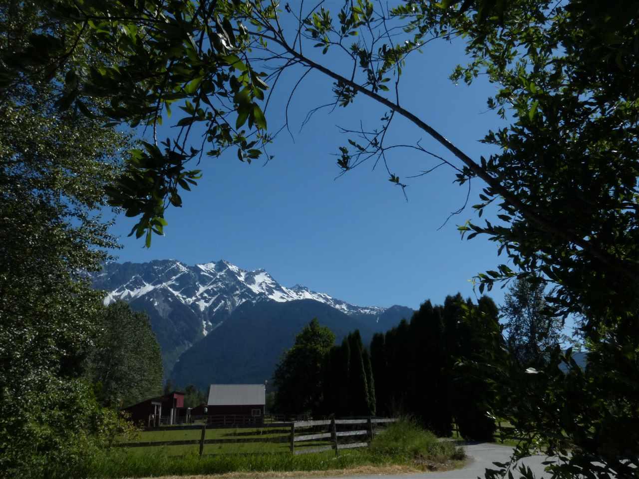Detached at 1537 FRASER ROAD, Pemberton, British Columbia. Image 2